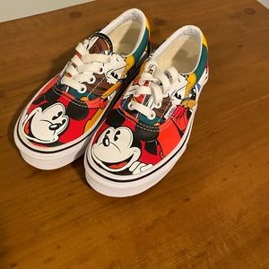 NEW Van's Disney Youth Shoes
